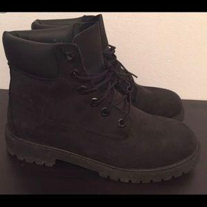 Black Womens Timberland boots. Size 7.